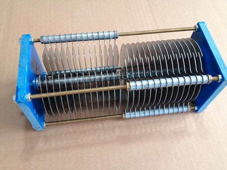 CV-4 Condensador variable 10/210+210